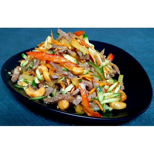 салат. говядина с овощами